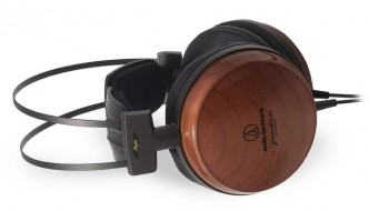 Noise Reduction Headphones Or Noise Cancellation Headphones: Who's Better?
