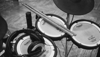 Electronic Drum and Acoustic Drum: What's the Difference?